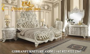Gambar Tempat Tidur Mewah Klasik